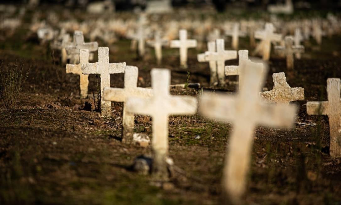 covid 1 - CORONAVÍRUS: Brasil ultrapassa marca de 230 mil mortes