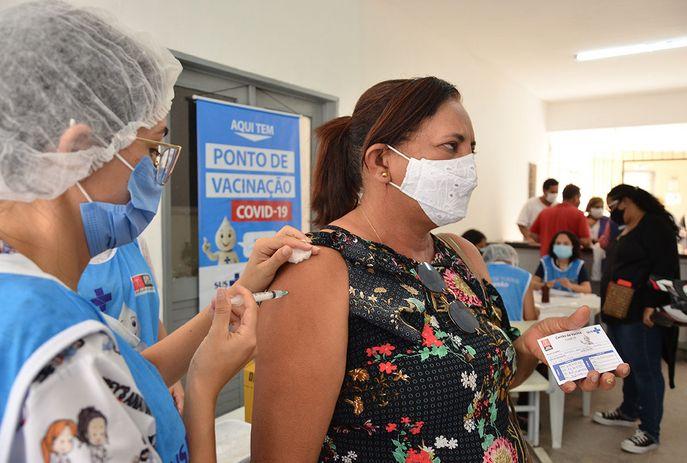csm 3 02 2021 Imunizacaodosagentesdeendemias FotoGilbertoFirmino 3 f4f715f204 - Justiça permite vacinação para trabalhadores de saúde em João Pessoa