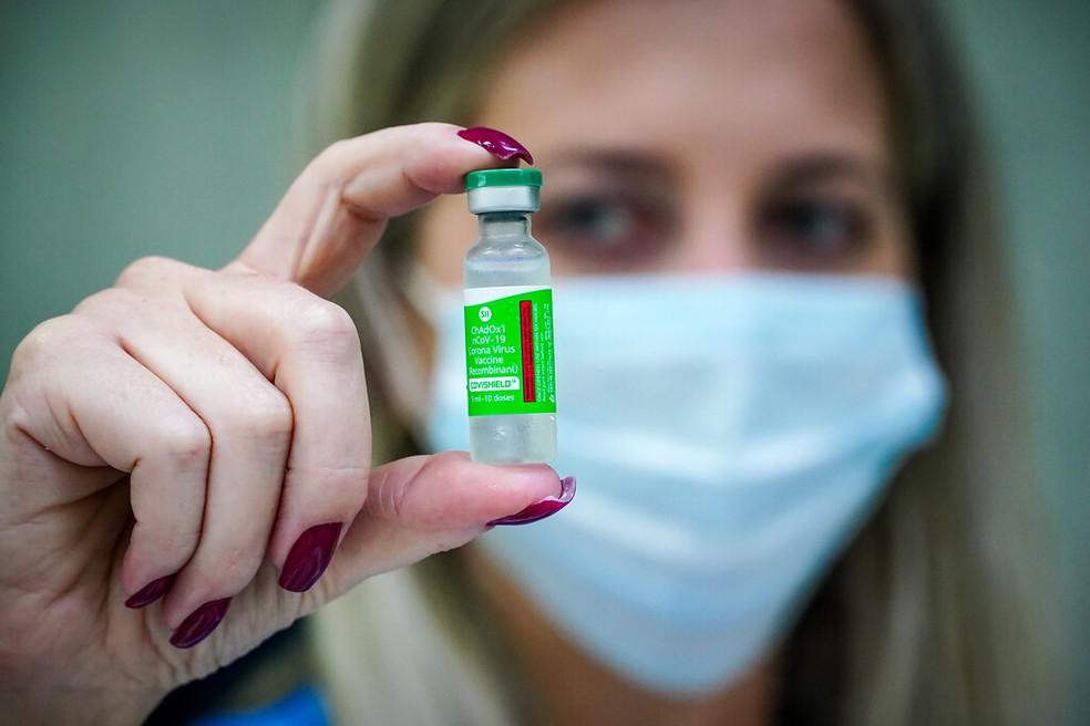 doses vacina ox sc - Matéria-prima para a produção de 12,2 milhões de doses da vacina de Oxford chega ao Brasil neste sábado