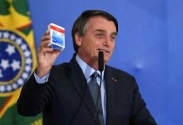 Bolsonaro: 'máscara caindo de quem fez política com vírus'