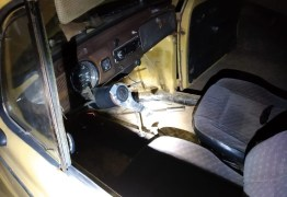 Homem sem CNH é preso ao ser flagrado embriagado dirigindo carro sem volante