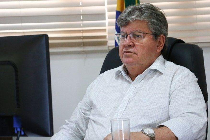 governador joao azevedo fala de momento historico com a chegada da vacina - Governador se reúne com prefeitos de JP e CG, MPs e TCE para avaliar pandemia na Paraíba