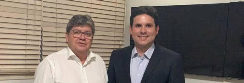 """hugo motta e joao azevedo - Hugo Motta garante apoio do Republicanos a João Azevêdo em uma eventual disputa à reeleição: """"Entendemos que ele vem fazendo um grande trabalho no estado"""""""