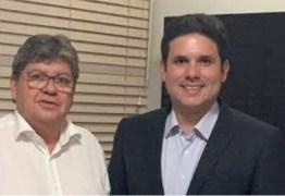 """Hugo Motta garante apoio do Republicanos a João Azevêdo em uma eventual disputa à reeleição: """"Entendemos que ele vem fazendo um grande trabalho no estado"""""""