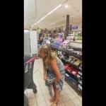 mulher calcinha - Mulher tira calcinha para usá-la como máscara em supermercado - VEJA VÍDEO