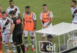 Vasco prepara dossiê para tentar anular jogo contra o Inter após polêmica com VAR