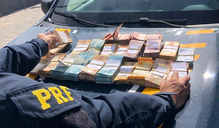 4df23c34f8c1dfadc5ca6d5bfe82cf49 e1614890006492 - DENTRO DO CARRO: homem é preso com quase R$ 100 mil sem comprovação, na Paraíba