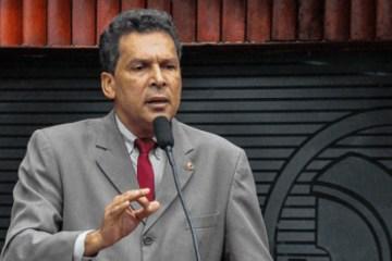 Deputado Ricardo Barbosa contesta declarações negacionistas de Bruno Cunha Lima sobre pandemia