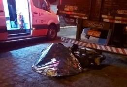 Motociclista morre após colidir contra traseira de caminhão em Campina Grande