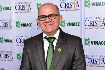 Pr. Daniel Nunes - Presidente da Assembleia de Deus em Campina Grande testa positivo para Covid-19 e faz fisioterapia respiratória