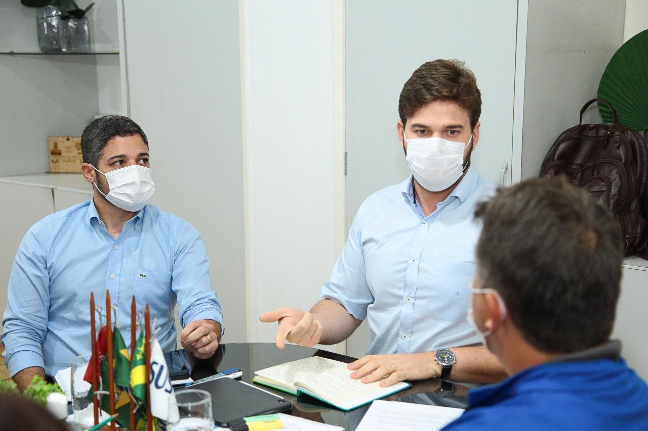 Bruno Cunha Lima assina decreto com medidas emergenciais de prevenção ao  avanço do novo coronavírus em Campina Grande; CONFIRA DETALHES - Polêmica  Paraíba - Polêmica Paraíba