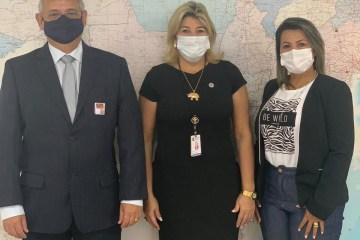 Jane Panta cumpre agenda no Ministério da Saúde e consegue 10 respiradores para Grande JP