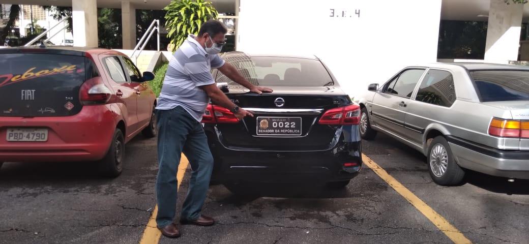 WhatsApp Image 2021 03 01 at 21.55.58 1 - Caminhão com mudança do senador paraibano José Maranhão saí de Brasília - VEJA IMAGENS