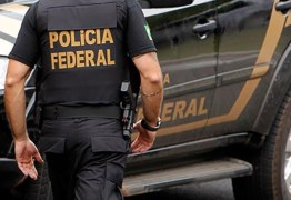 Homem é preso suspeito de cometer assaltos vestido de policial federal, em Campina Grande
