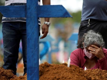 covidd - Brasil tem 2.730 mortes por Covid em 24 h, e média móvel de óbitos bate novo recorde