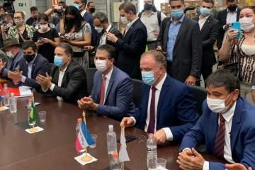 Governadores preparam pacto nacional para definir medidas restritivas no combate à pandemia