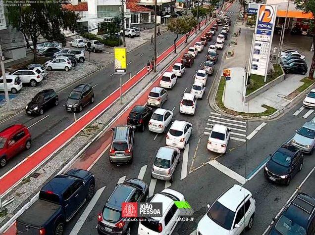 interd - Semob-JP realiza intervenção entre as avenidas Epitácio Pessoa e Rui Carneiro