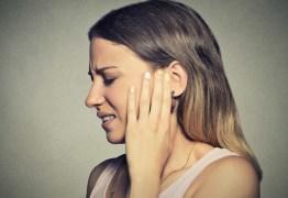 COVID-19: Três novos sintomas a ter em atenção 'zumbido, vertigens e perda auditiva'