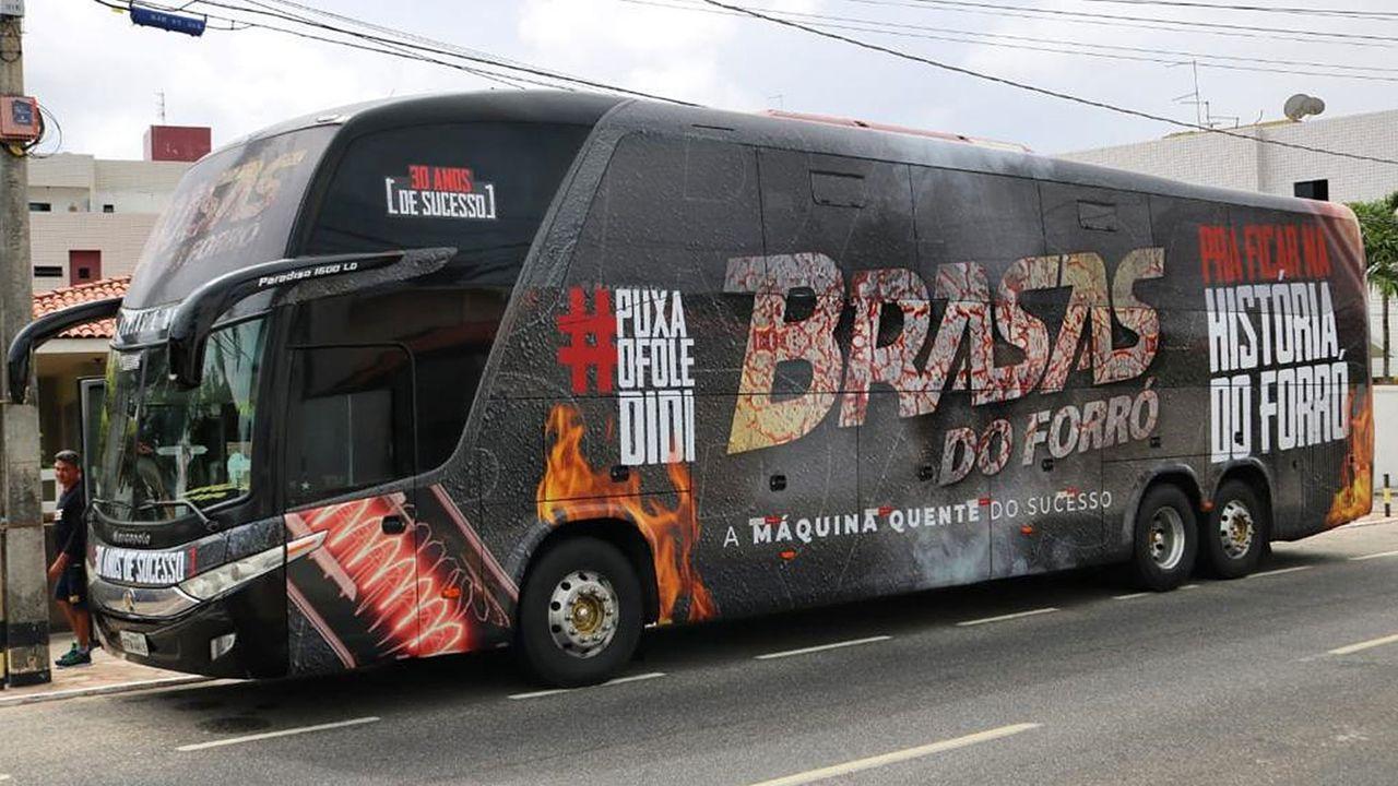 onibus brasas do forro - Para evitar prejuízos financeiros, Banda Brasas do Forró vende ônibus, terreno e carro particular
