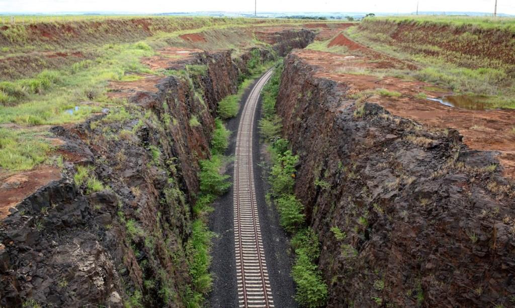 1106483 ferro11 1 1024x613 - CONCESSÃO: Governo Federal leiloa hoje trecho de ferrovia na Bahia