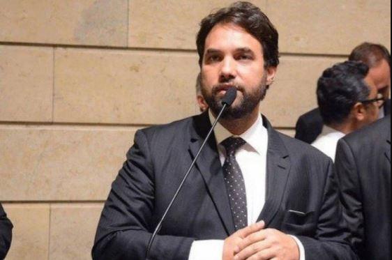 996 - Dr. Jairinho é afastado da Comissão de Justiça e Redação na Câmara dos vereadores do Rio