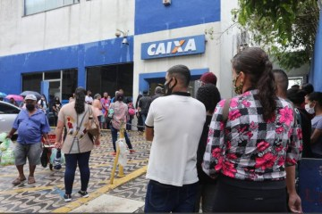 Caixa - Mourão diz que governo deveria ter entendido que Covid-19 não acabaria em 2020 e mantido auxílio emergencial