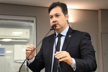 Capturar.JPGjgg - Na CCJ: Júnior Araújo comemora aprovação de projeto que amplia prazo para pagamento de contas de energia na Paraíba