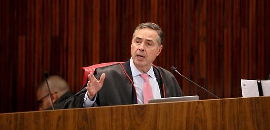 Luis Roberto Barroso TSE - Queda de braço: Barroso convida comissão do voto impresso para demonstração sobre urna eletrônica
