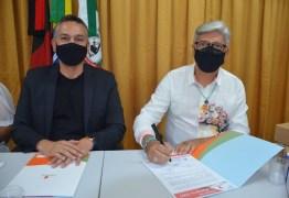 Prefeitura de Santa Rita renova parceria com Instituto Alpargatas