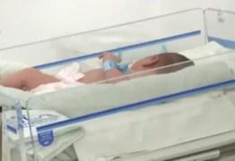 NA PARAÍBA: bebê achado em caixa de papelão recebe alta e será encaminhado para adoção, policia continua investigando