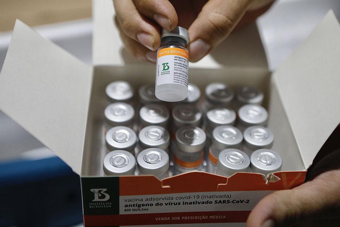 chegada de 48 mil vacinas da sinovac butantan13 - MAIS VACINAS: Governo federal anuncia distribuição de mais 4,4 milhões de doses aos estados