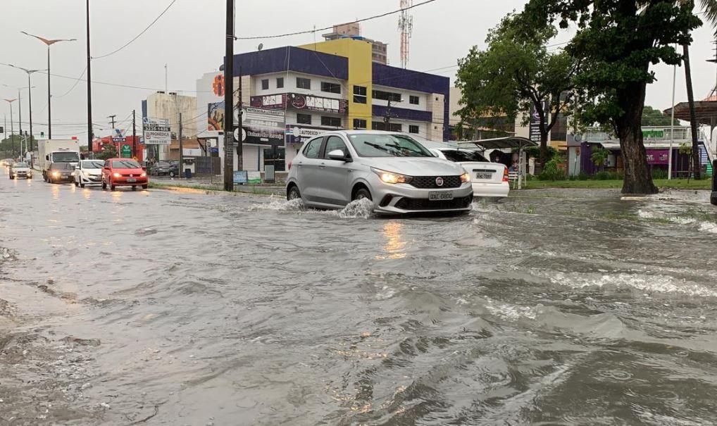 chuu - João Pessoa registra grande volume de chuvas neste domingo (18)
