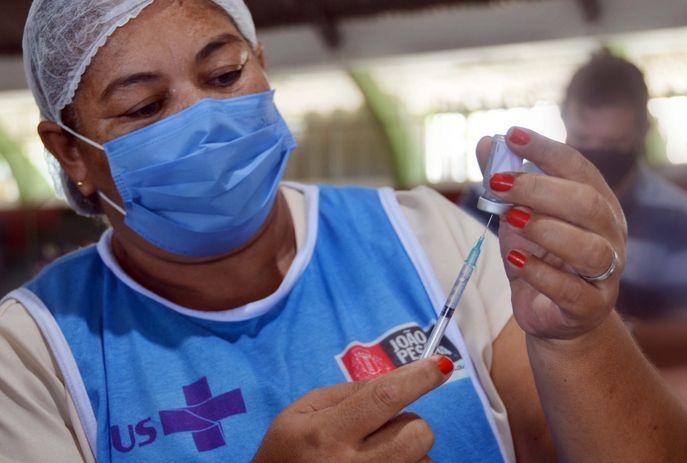 csm vacina dose pmjp e544699880 - Seguindo cronograma, João Pessoa interrompe vacinação da Covid-19 neste domingo