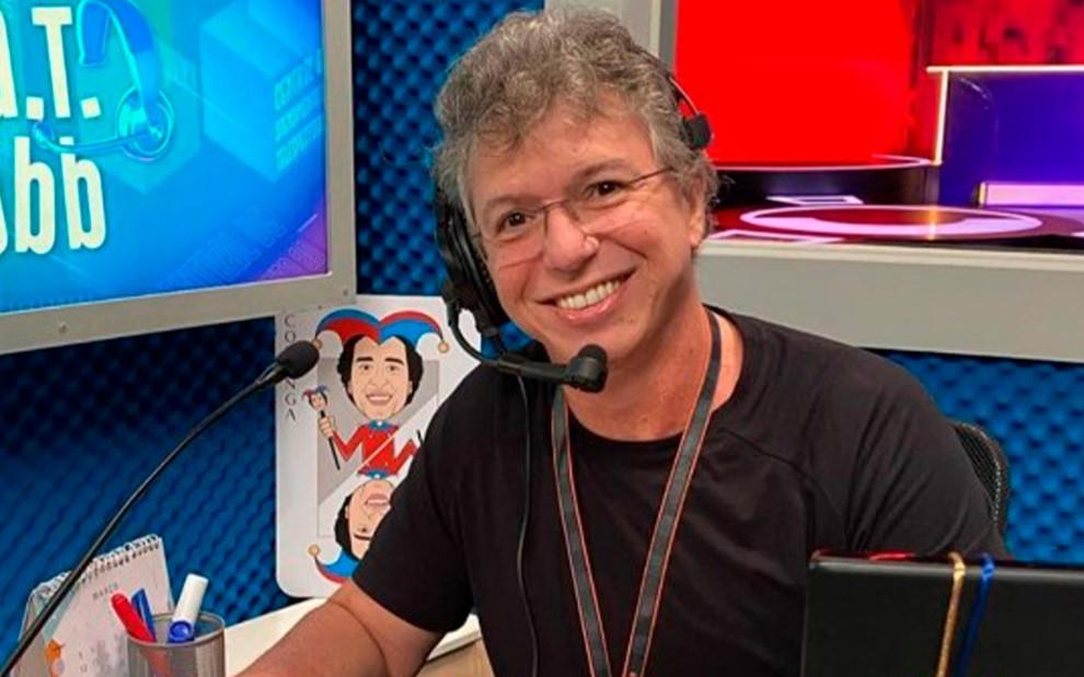 """globo bbb20 cat boninho reproducao tv globo fixed large - """"BBB impõe certas atitudes que podem fazer a pessoa pirar"""", diz Boninho"""
