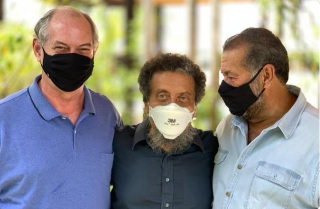 imagem 2021 04 22 203816 - Ciro contrata ex-marqueteiro do PT João Santana