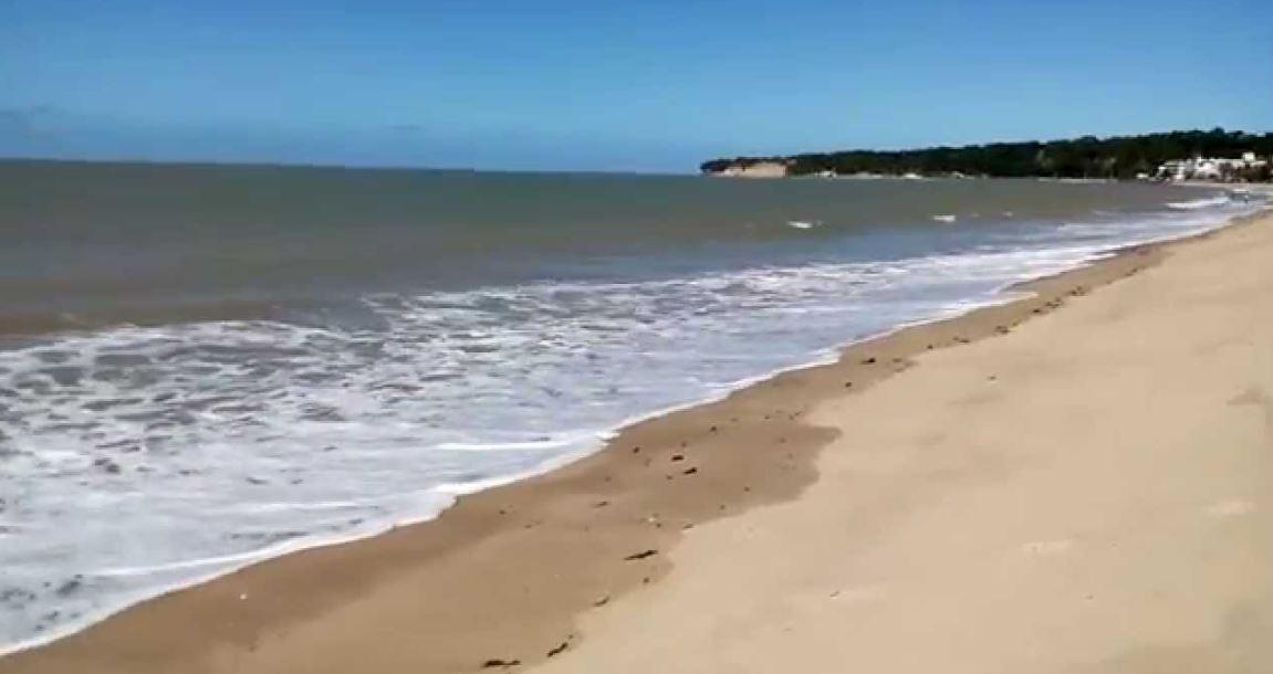 praia - Segundo a Emlur, o lixo recolhido em praias de João Pessoa pode ser de outros estados