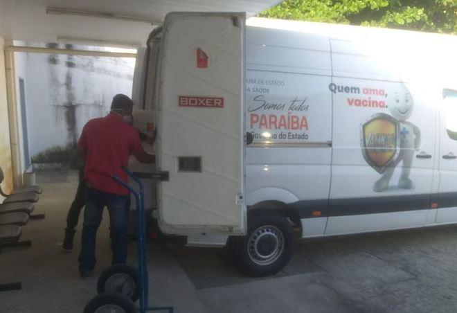 vacinas - Doses de vacinas contra a Covid-19 são distribuídas aos 223 municípios paraibanos nesta sexta-feira (23)