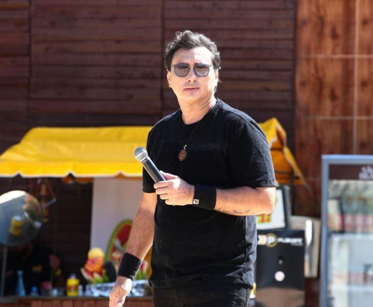 """vicente - """"Nasci de novo"""", diz cantor Vicente Nery após ser extubado e deixar UTI de hospital"""