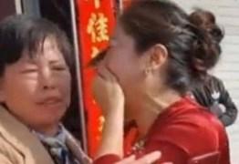 Noiva descobre na cerimônia de casamento que a sogra é a sua mãe
