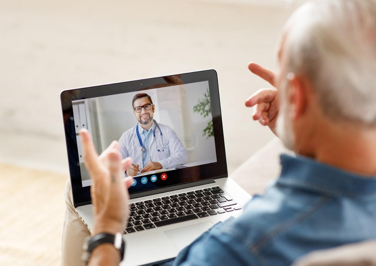 26f954bc a298 f617 59e0 03af45493af0 - Hapvida abre vagas para médicos na área de telemedicina