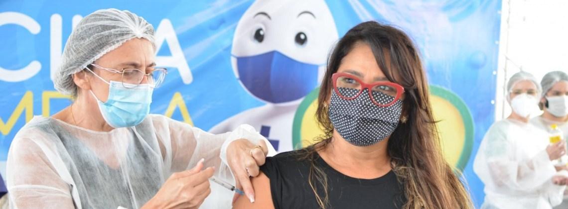 Campina Grande imuniza pessoas com comorbidades de 50 a 54 anos e abre vacinação para 18+ com BPC