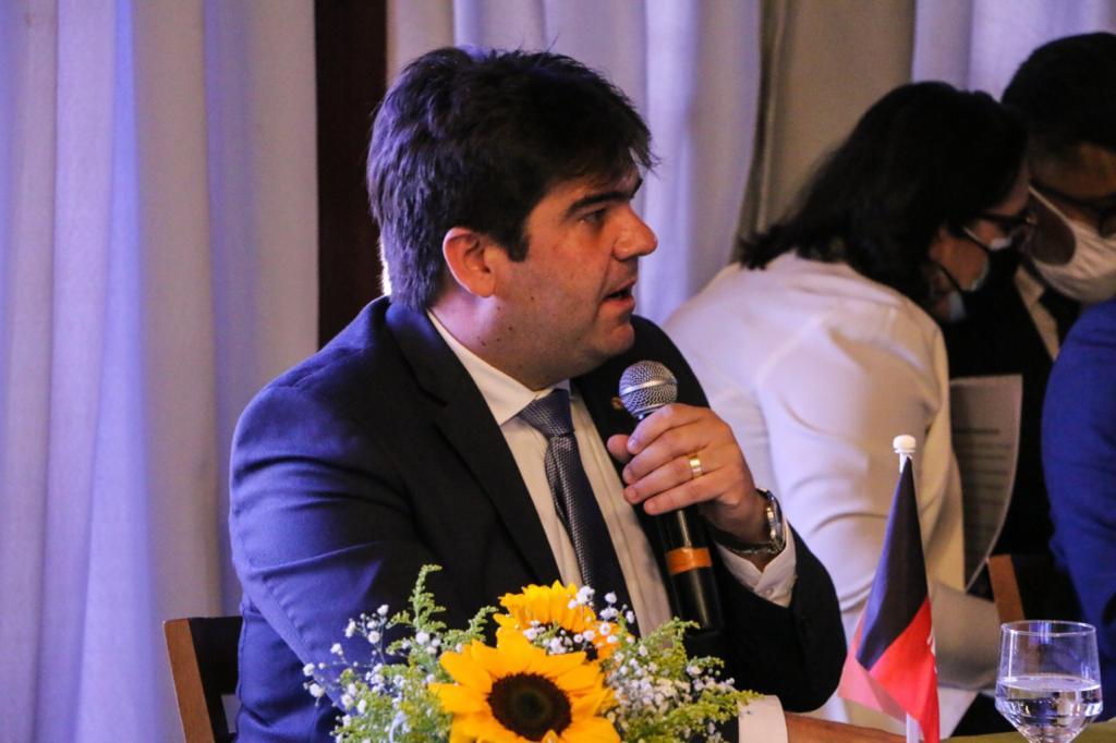 725142a0 05cc cad6 ac4a ac58e6100ee0 - Eduardo assume Secretaria Especial de Empreendedorismo da Unale e defende resgate da economia no pós-pandemia