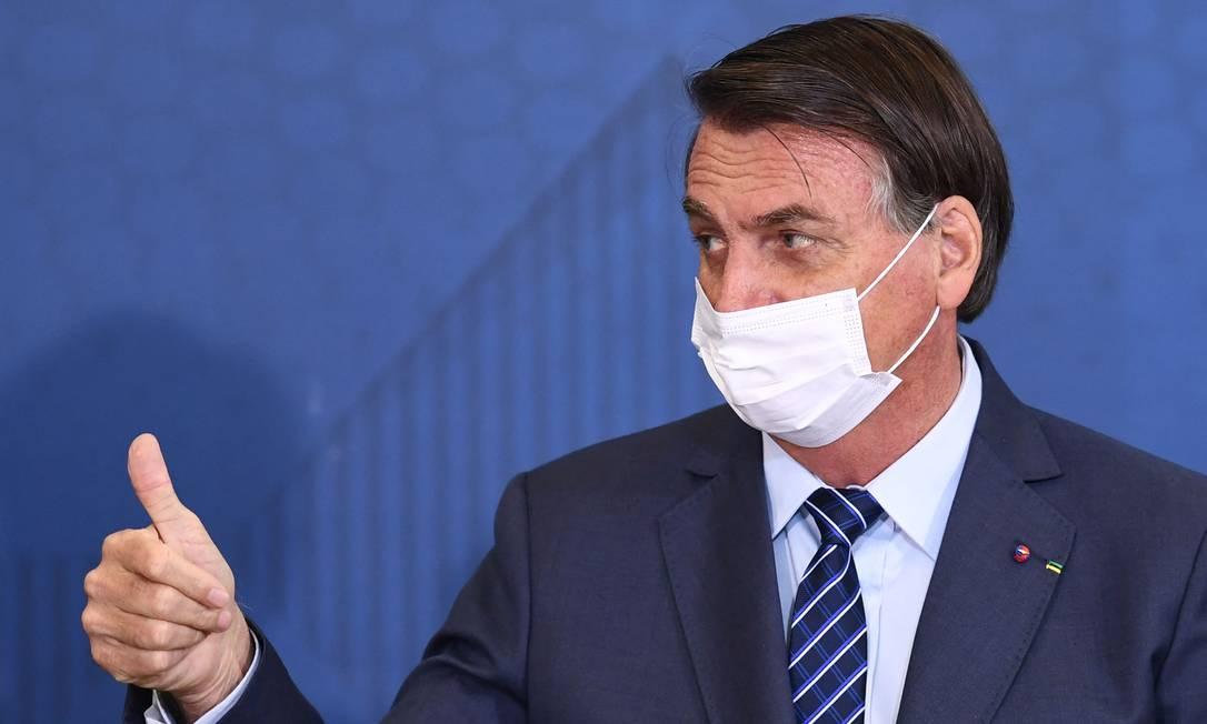 """BOLSONARO 1 - Bolsonaro diz que não está velho, mas revela que usa """"aditivo"""" de vez em quando - VEJA VÍDEO"""