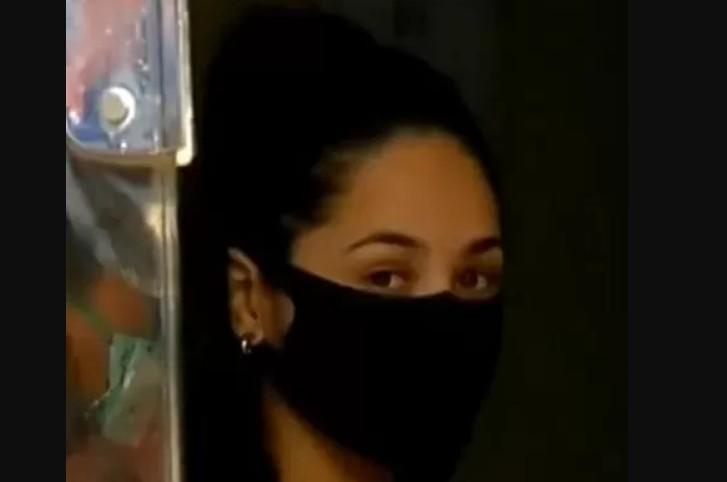 """Capturar 130 - """"Festa do beijo"""" na pandemia: Jovem que foi beijada por 13 homens diz que se arrepende de ter ido ao evento"""
