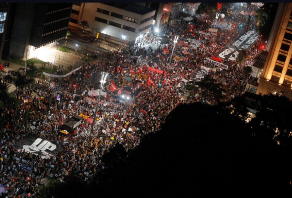 Capturar.JPGiiii - Protestos anti-Bolsonaro se impõem nas ruas e reavivam pauta do impeachment