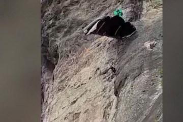 Capturar.JPGujh - Trilheiros filmam acidente de Base Jump na Pedra da Gávea