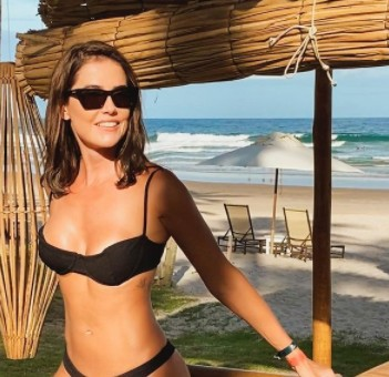 "DEBORAH SECCO - Deborah Secco posta foto nua nas redes e provoca: ""Sexta-feira da maldade"" - VEJA"