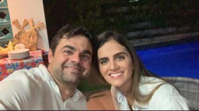 Dr Jarques e Juliane Dornelas Sao Bento - É O AMOR! Prefeitos paraibanos esbanjam amor pelas esposas, conheça os casais considerados mais bonitos