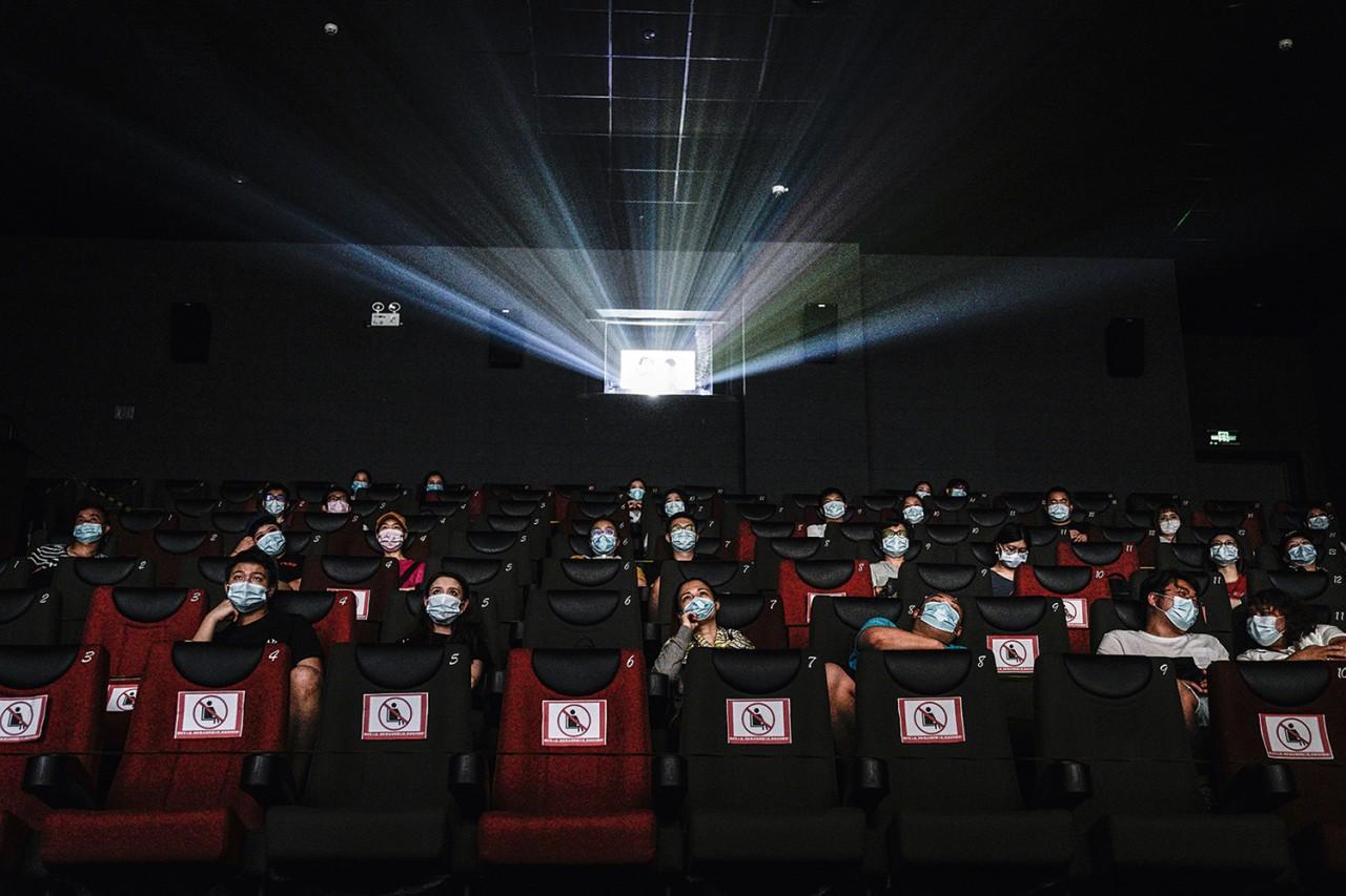 GettyImages 1257251617.jpg - PANDEMIA: público não pode consumir bebidas e comidas em ambientes de cinemas, teatros e circos; confira regras