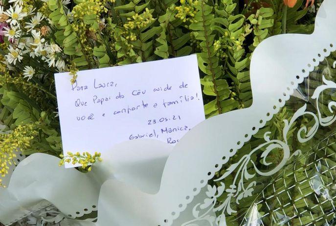 HOMENAGEM LAURA - Amigos prestam homenagens à criança de 9 anos que morreu ao cair de prédio, em João Pessoa